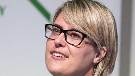 Dr Maren Deepwell